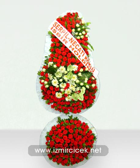 Çelenk Kırmızı Beyaz 300 Çiçek