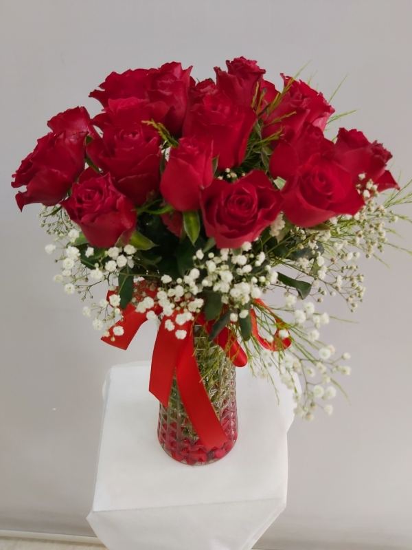 Vazoda 21 Kırmızı Güller