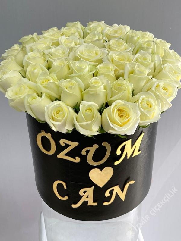 İsimli Nişan Çiçeği 41 Beyaz Gül