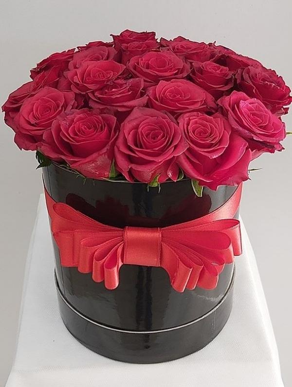 Kutuda Çiçek 21 Gül