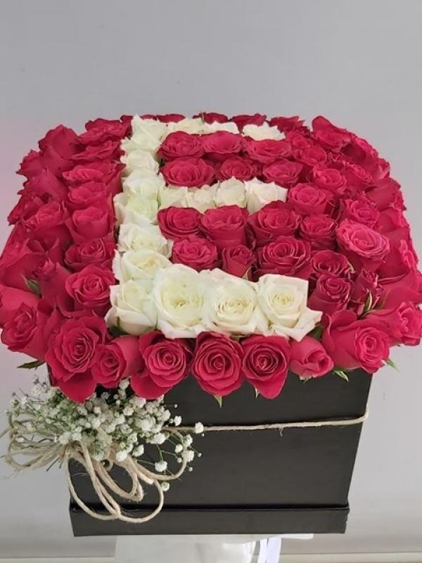 Kutuda Harfli Kırmızı Gül İsteme Çiçeği