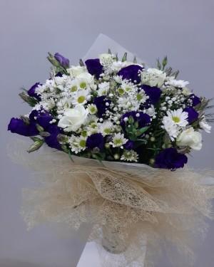 Mor-Beyaz Çiçek Buketi