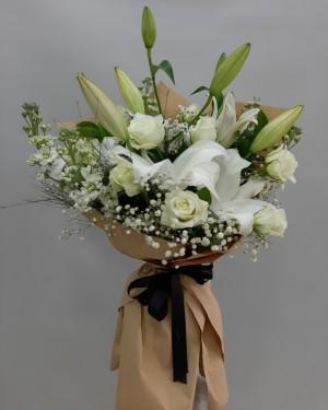 Beyaz Çiçek Buketi