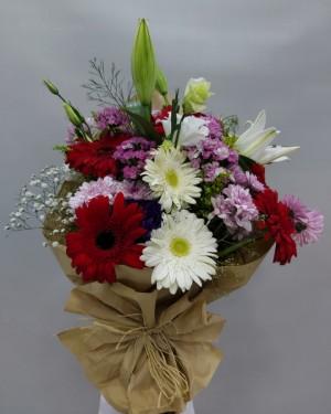 İzmir Çiçek Buketi Renkli Çiçekler