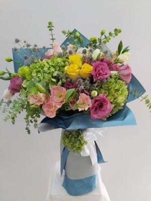 Mavi Çiçek Buketi