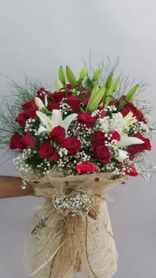 Lilyum Kırmızıgül Çiçek Buketi