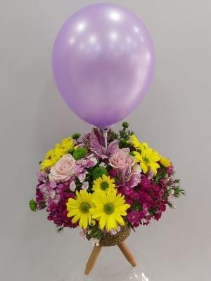 Ayaklı Vazoda Balonlu Kız Bebek Çiçeği