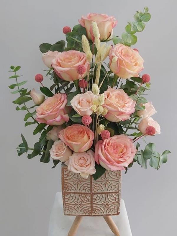 Özel Vazoda Özel İthal Güller